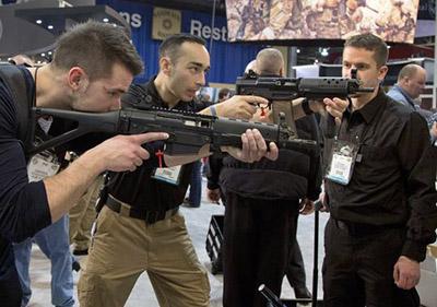 ap_gun_debate_tradeshow_53642285-4_3